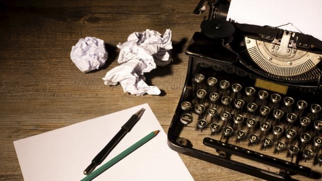 Typewriter-Paper-640