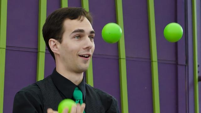 Karas-green-balls-014575-edited