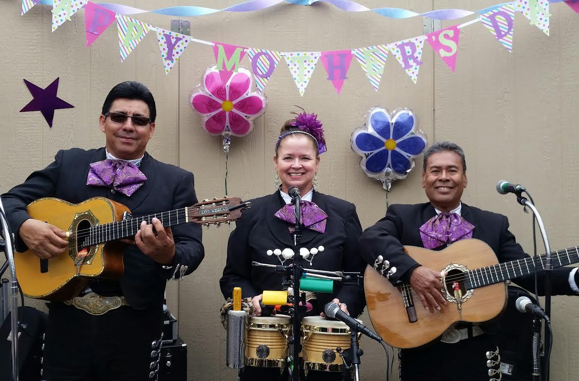 mariachi trio los azulado 1.jpg