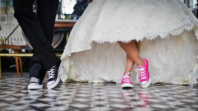 wedding-couple-converse-shoes-868950-edited.jpg